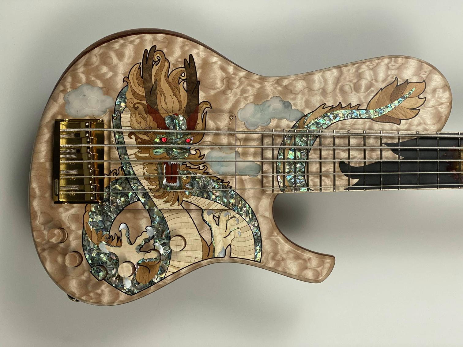 Discovering Dtc - Custom Bass Guitar luthier from China