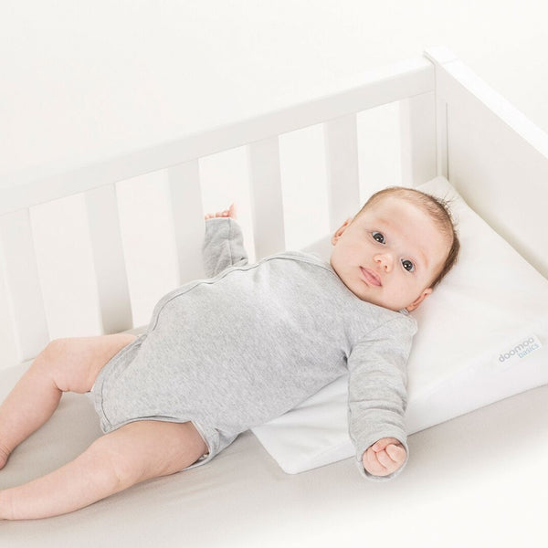 Doomoo Basics Rest Easy Small - Sloped sleep positioner