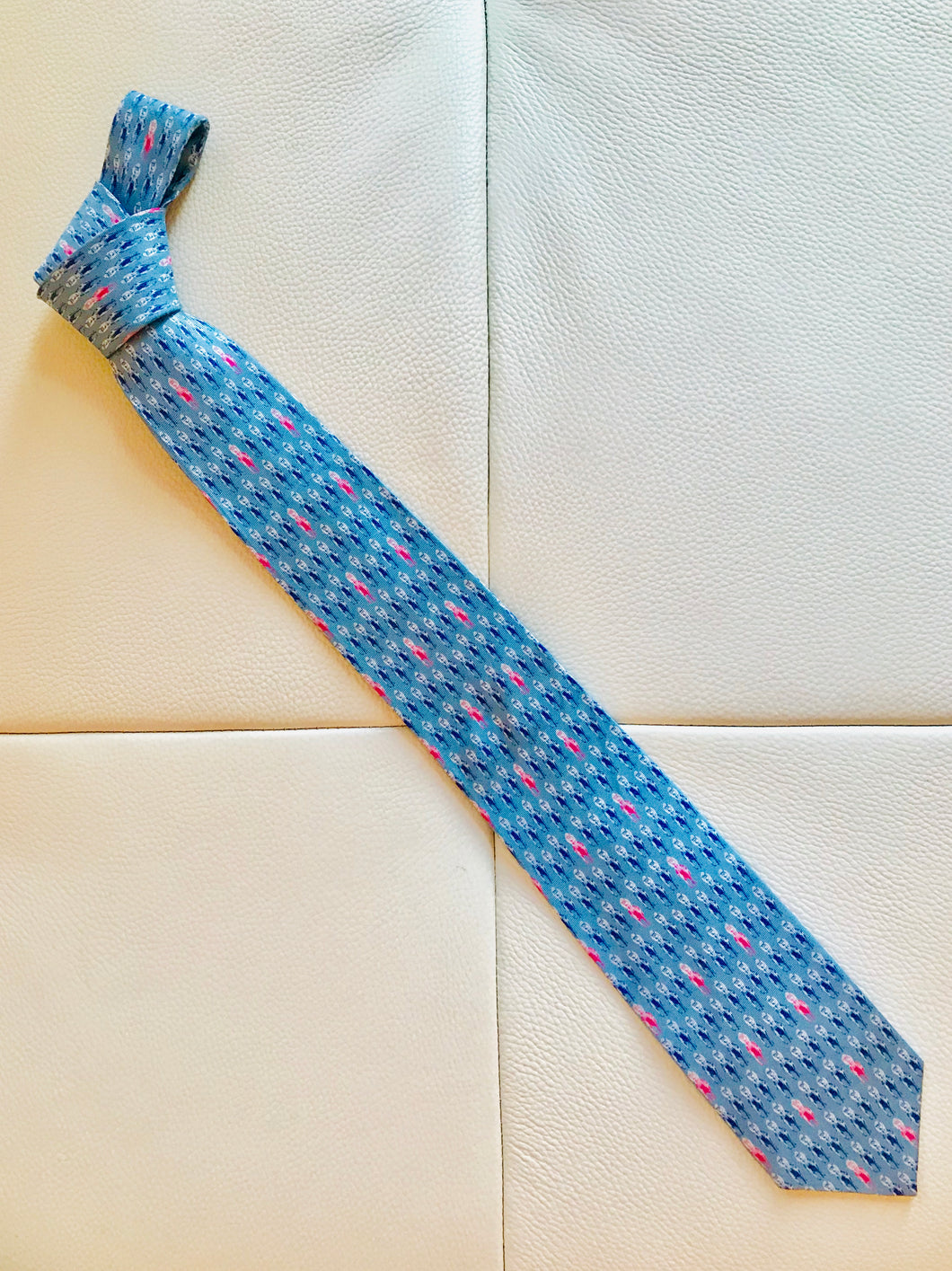""" On the Lead "" tie"