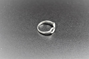 silver,white ring