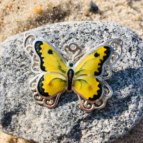 Yellow butterfly 🦋