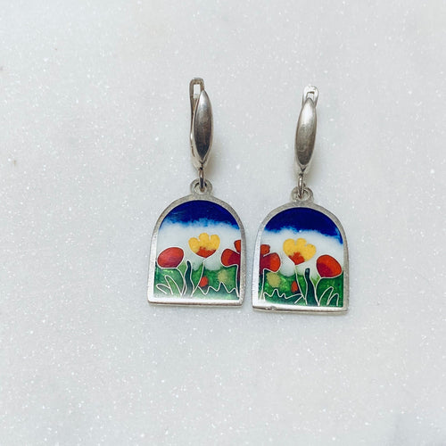 Earrings with beautiful flowers