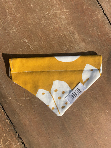 Pet Bandana palm leaf
