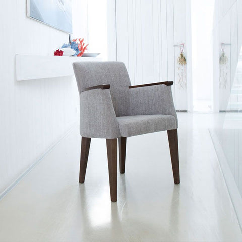 Fama Betty Chair