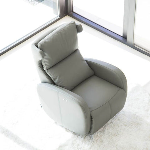 Fama Kim Chair