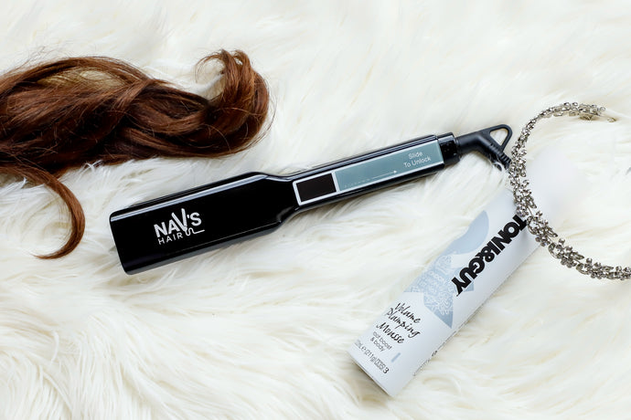 BLACK WIDE PLATE NAV's HAIR TITANIUM  + SMART TECHNOLOGY STYLING IRON