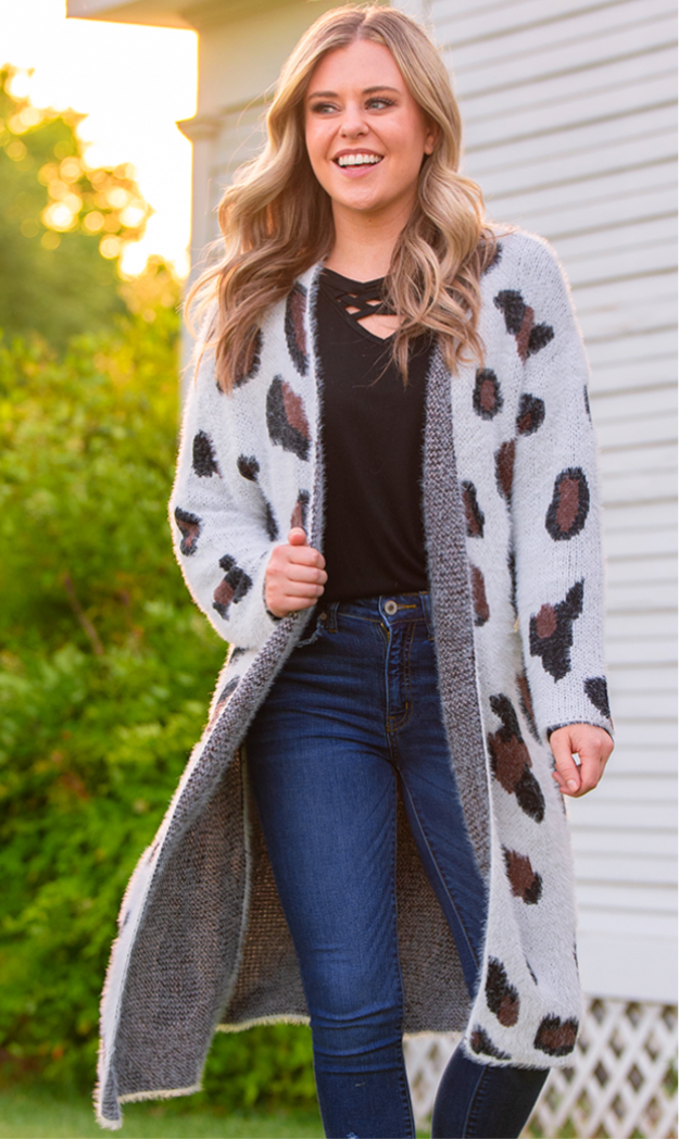 Snow leopard Mama Sweater