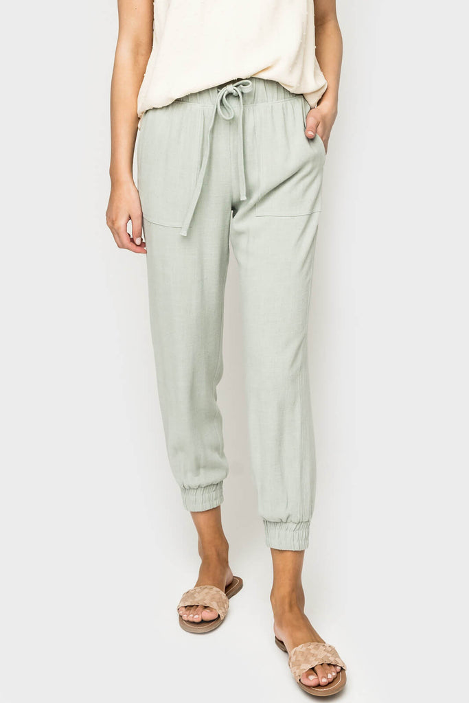 Women Wearing Linen Jogger in Sage