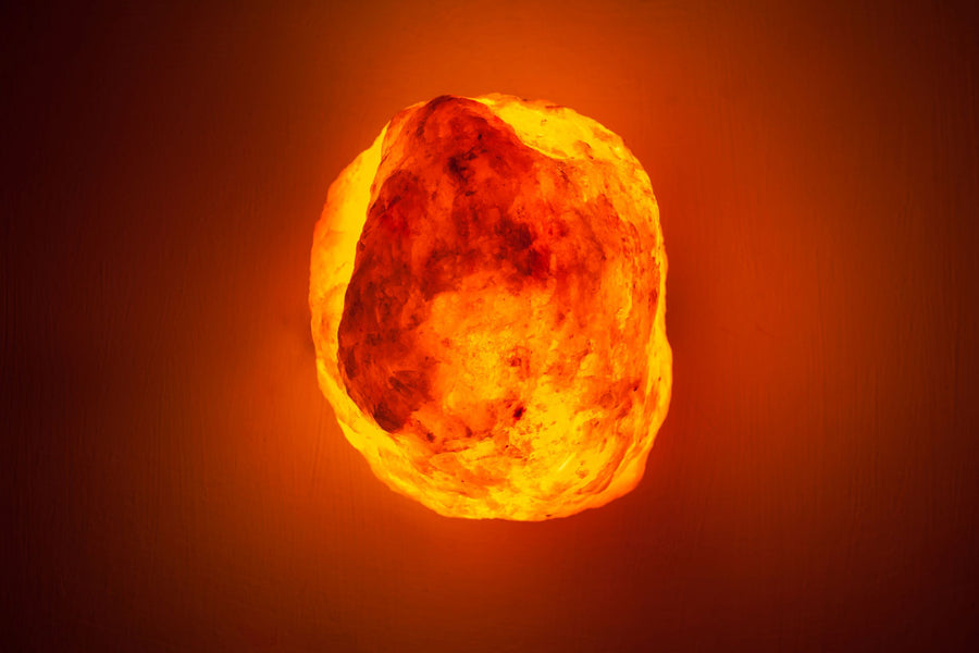4 Reasons That Everyone Should Have a Salt Lamp