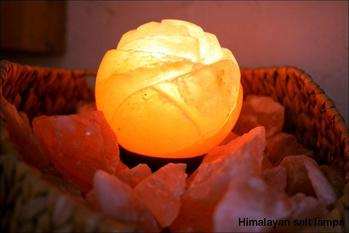 Small rose Himalayan salt lamp