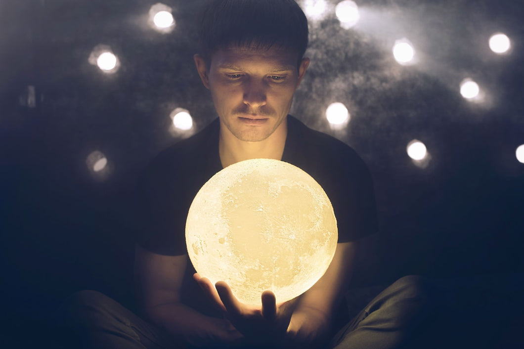 Lunar moon lamp UK