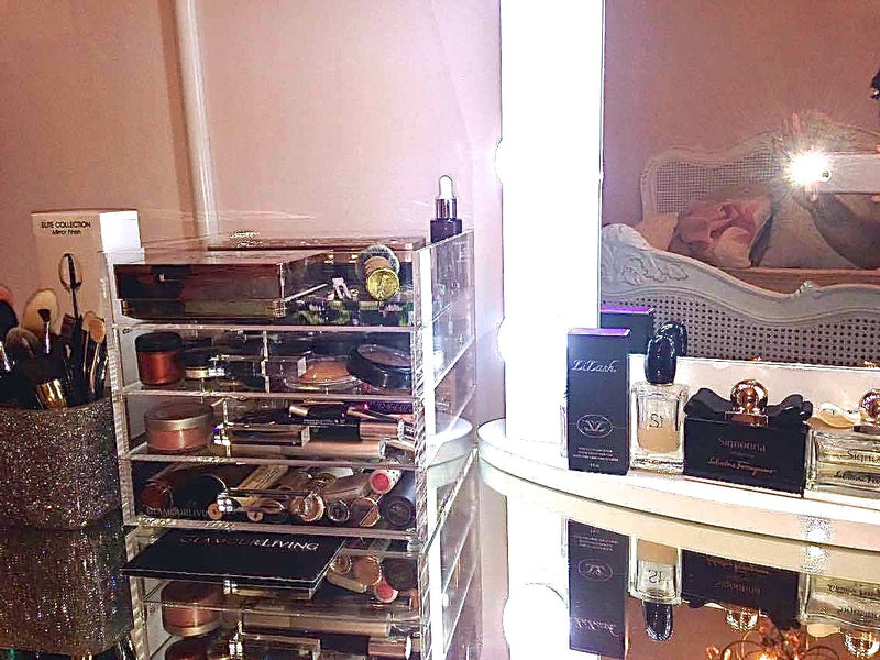 Glamourliving Glamourcube Compact Customer Testimonial with Makeup Storage Filled With Cosmetics