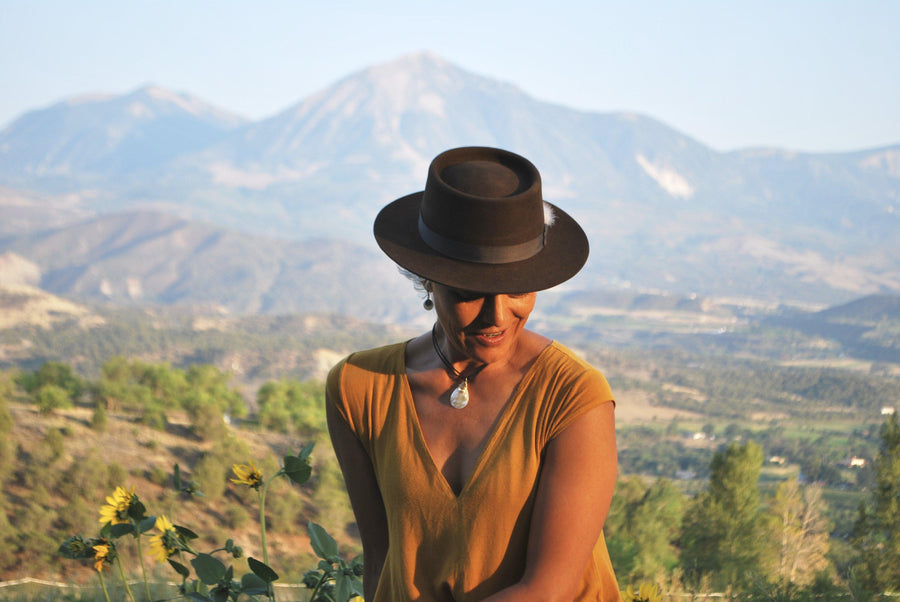 The Rounder - Women's Short Brim Chocolate