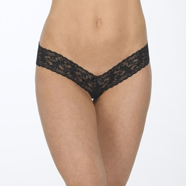 HANKY PANKY SIGNATURE LACE CROTCHLESS THONG - Expect Lace