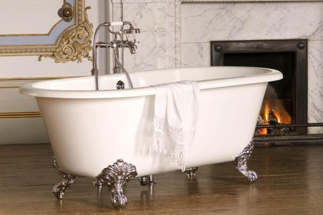 Double Roll Top Bath
