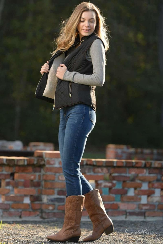 Hold Me Tight - Quilted Vest In Black