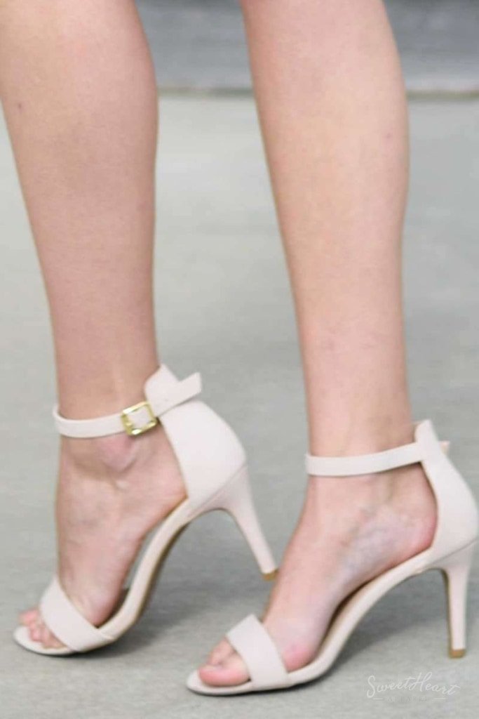 Pretty Please Pumps - Nude Heels