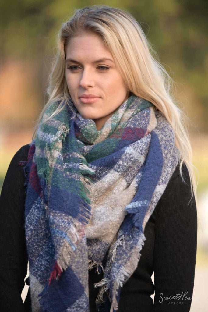 Warm Embrace Blanket Scarf - Navy & Burgundy