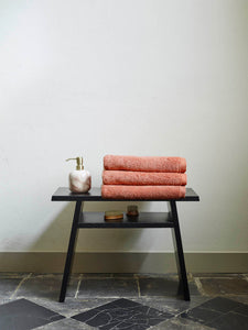 Mink bathroombench black