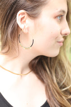 Load image into Gallery viewer, The Circle Earrings // Black