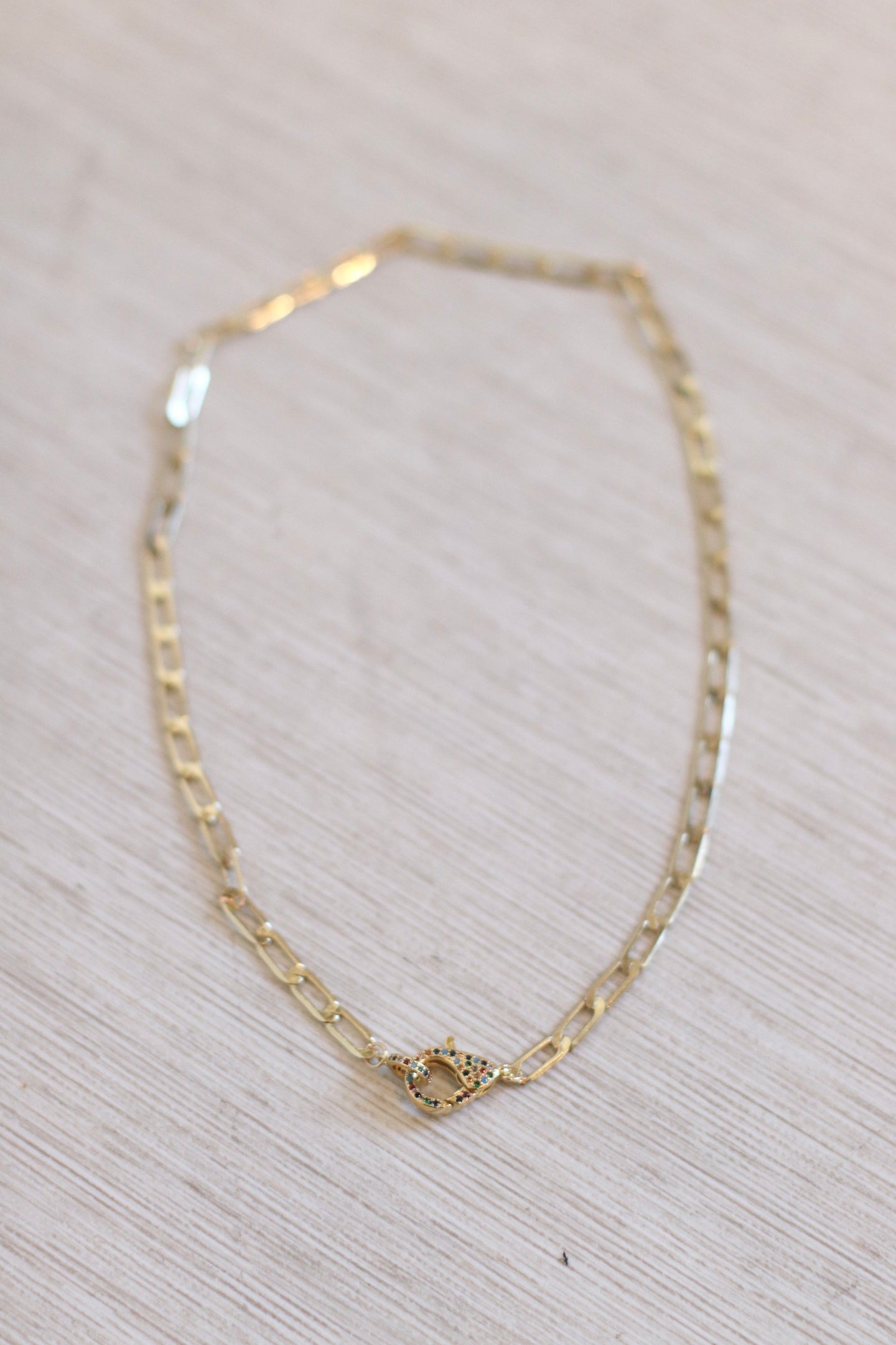 The Lilly Choker