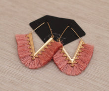 Load image into Gallery viewer, The Fan Earrings // Pink