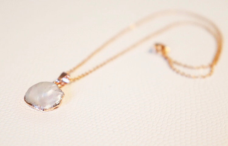 The Mother of Pearl Necklace // Rose Gold