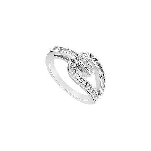 Diamond Ring : 14K White Gold - 0.55 CT Diamonds