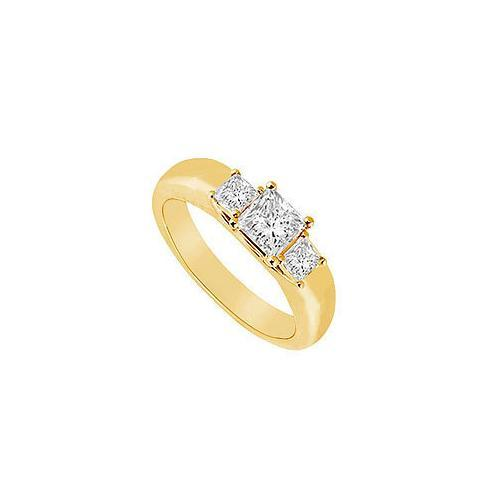 Three Stone Diamond Ring : 14K Yellow Gold - 0.25 CT Diamonds