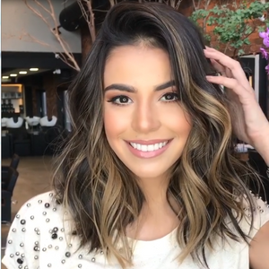 Gold shoulder short hair