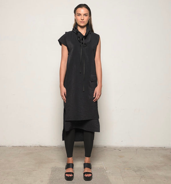 Wire Collar Vest in Black by Sun Kim