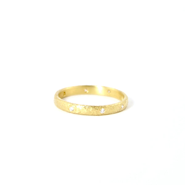 18k Gold Ring with 8 Diamonds by Yasuko Azuma