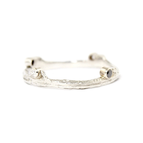 Hemp Ring in White Gold with 4 diamonds by Sarah Graham