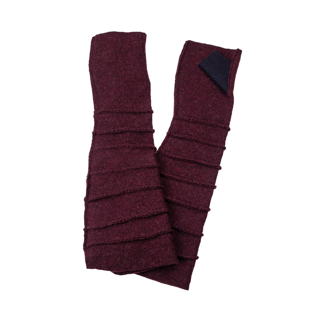 NEW! Wrist Warmers with Thumb in Black/Burgundy by Vilma Marė