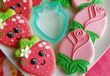 Strawberry and Rosebud Cookie