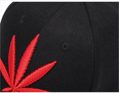 Wuke Branded Red Hemp Leaf Embroidery Stylish Smoker Ball Cap