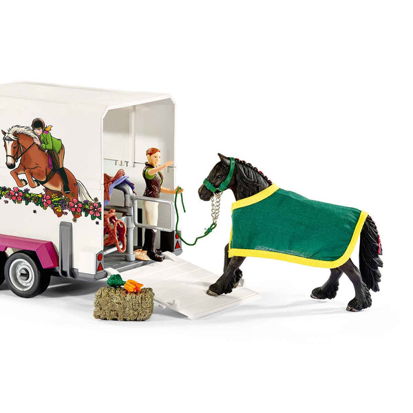 Pick up with Horse Box
