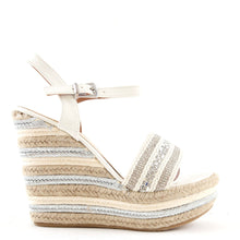 Load image into Gallery viewer, Espadrille Wedge Sandals In White