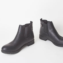 Load image into Gallery viewer, Callan Black Chelsea Ankle Boots