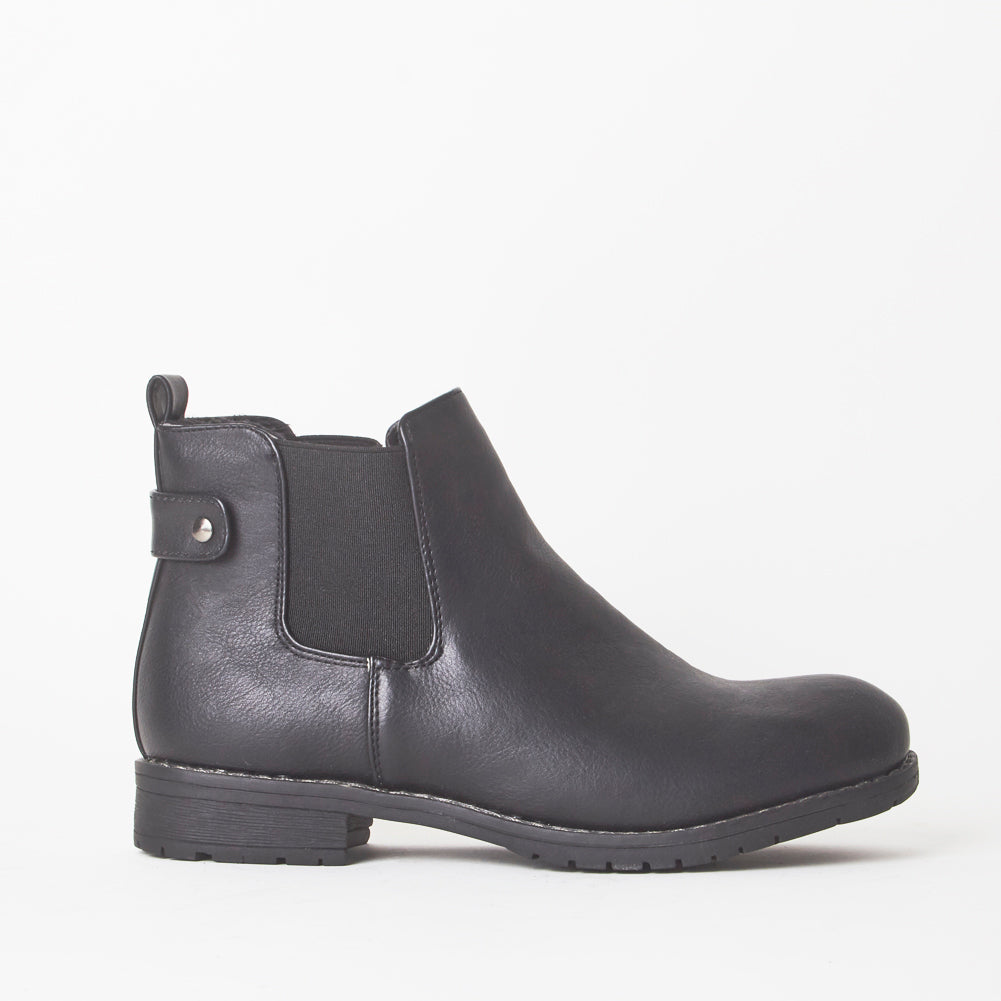 Callan Black Chelsea Ankle Boots