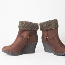 Load image into Gallery viewer, Dominique Brown Fur Wedge Ankle Boots