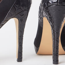 Load image into Gallery viewer, Eva Black Snake Court Heels