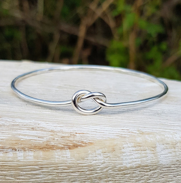 The Symbol of Love Knot Bangle