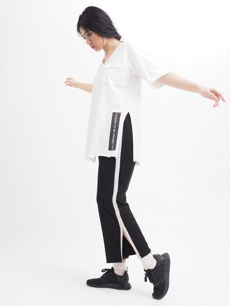 Mono Simple Side Slit Tee