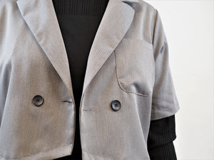 Cropped Two Button Thin Blazer