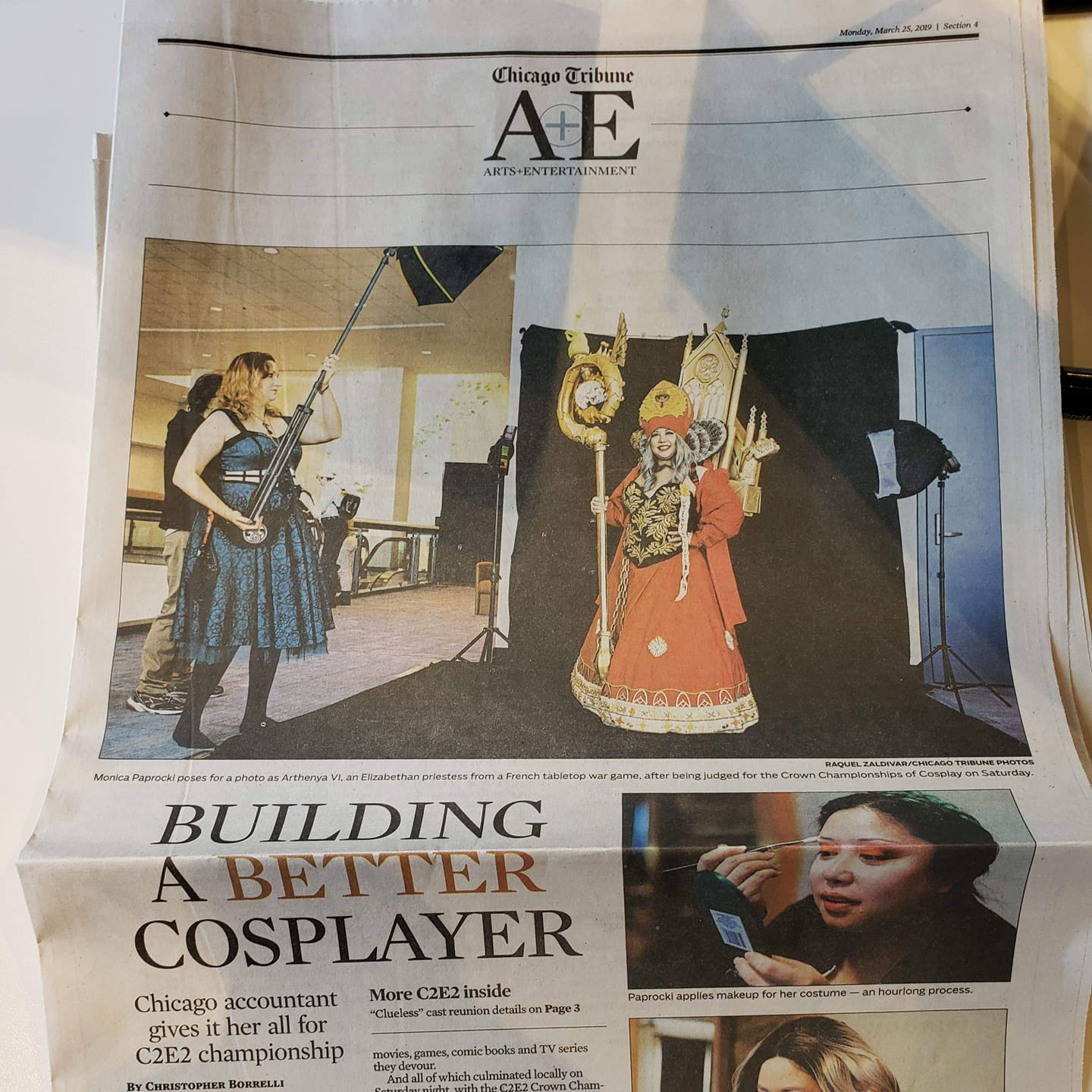 👑  Arthenya Cosplay in the Chicago Tribune!