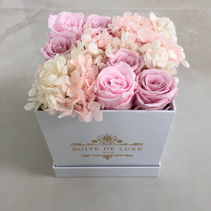 Hydrangea x Roses in Square Signature