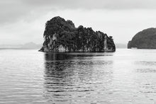 Load image into Gallery viewer, Halong Bay 1