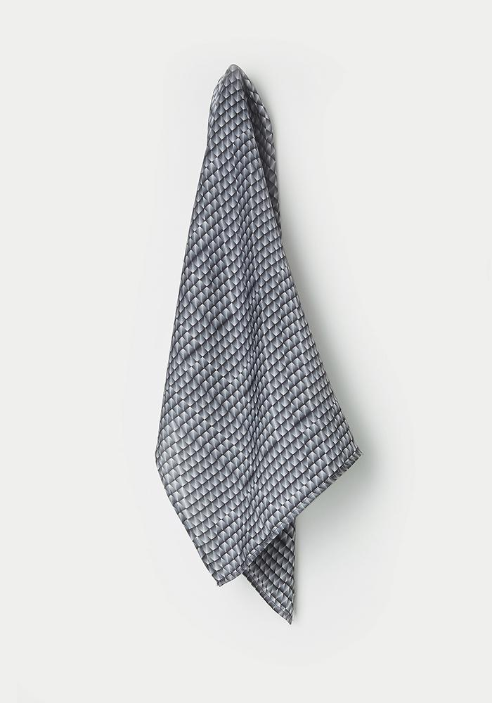 AVAVAV Scarf in Black/White - AVAVAV-Firenze