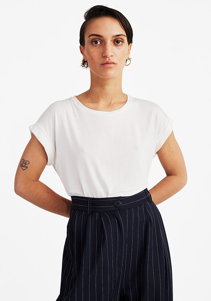 Round Neck Tee in Off-white